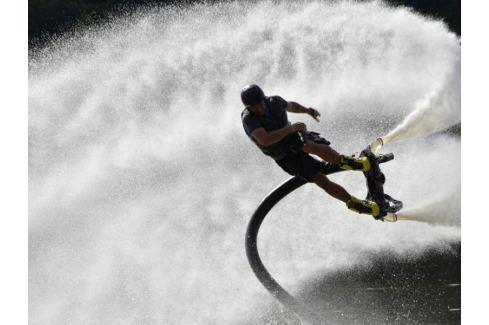 Zážitek - Flyboarding - Praha Adrenalin ve vodě