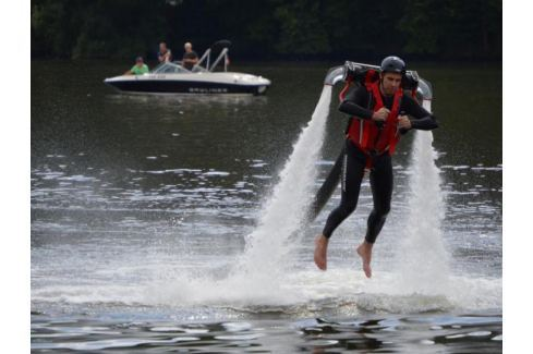 Zážitek - Jetpack - Praha Adrenalin ve vodě