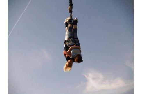 Zážitek - Bungee jumping až 120 metrů z jeřábu - Jihomoravský kraj Bungee jumping